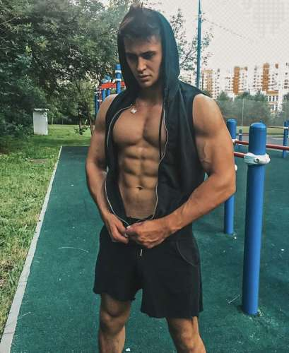 Александр  (25 лет)