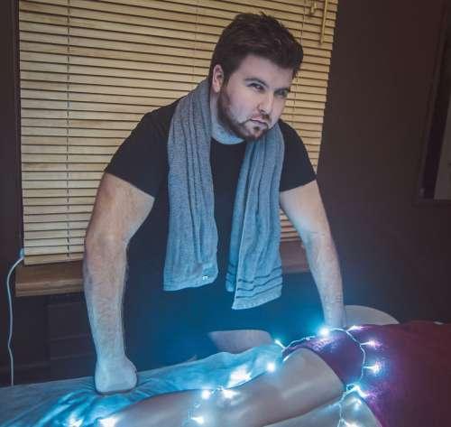 Олег (25 лет) (Фото!) предлагает эскорт, массаж или другие услуги (Объявление №5186926)
