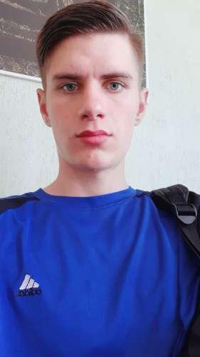 Евгений  (21 год)