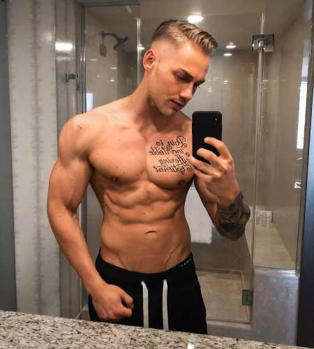 Алексей  (25 лет)